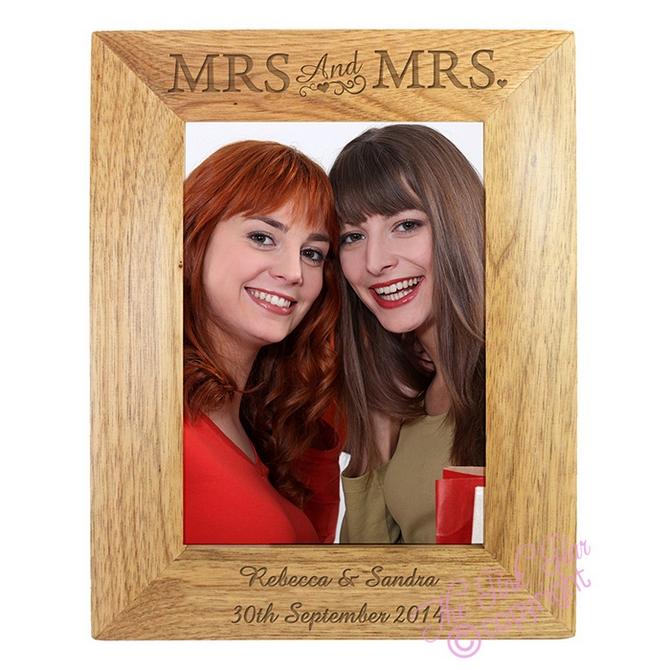 wooden mrs & mrs photo frame