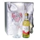 love & kisses white wine set